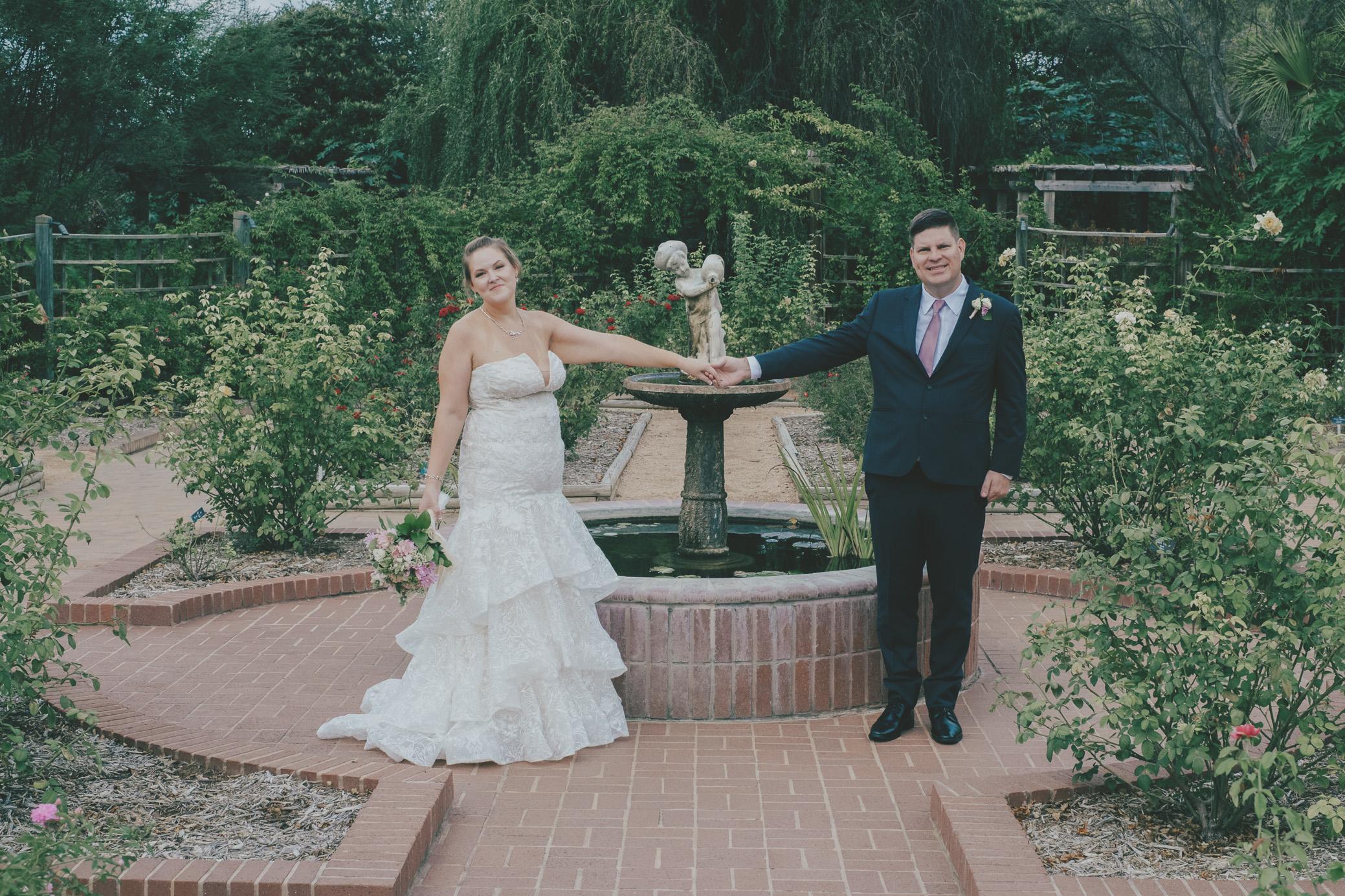 San Antonio Botanical Garden Wedding Photos Texas